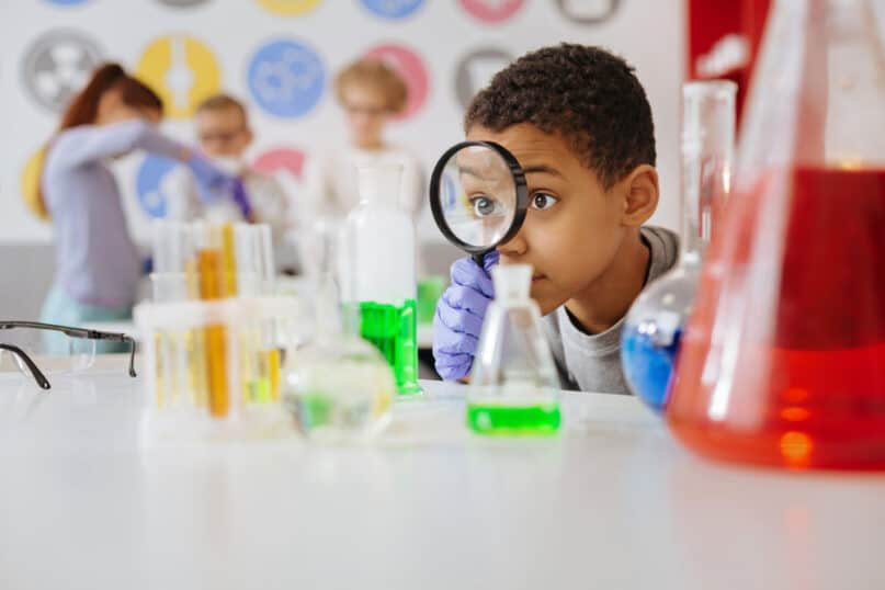 20 Science Kits and STEM Projects for Kids